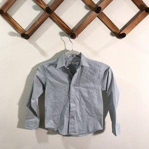 Izod grey long sleeve button down shirt sz…